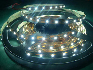 Cina 60 Led / M 12V 24V LED Strip Light Single Color SMD3528 Untuk Dekorasi Indoor / Outdoor Distributor